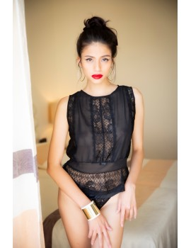 Black Leavers lace and silk top Alchimie